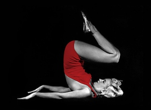 marilyn_monroe_doing_yoga